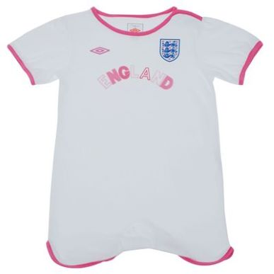 Купить Umbro England Baby Grow Girls  за рублей