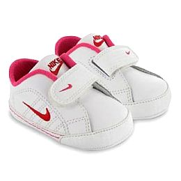 Купить Nike 1st Court Tradition Girls Crib Trainers 2000.00 за рублей